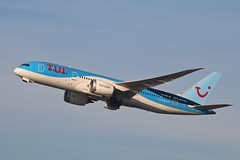 Boeing 787-8 Dreamliner PH-TFM TUI fly (Jarco Hage) Tags: schiphol amsterdam airport ams netherlands eham nederland byjarcohage aviation luchthaven airplane vliegveld vliegtuig vliegtuigen boeing 7878 dreamliner phtfm tui fly