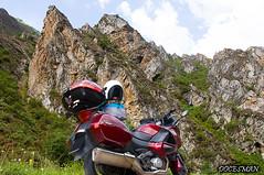 Picos de Europa (DOCESMAN) Tags: moto bike motor motorcycle motorrad motorcykel moottoripyörä motorkerékpár motocykel mototsikl honda nt700v ntv700 deauville docesman danidoces picosdeeuropa asturias cantabria montaña