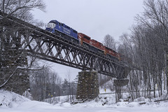 GMRC 263 across Cuttingsville Trestle (Thomas Coulombe) Tags: vermontrailsystem vrs greenmountain gmrc263 freighttrain train emdgp382 gp382 cuttingsvilletrestle bridge trestle eastwallingsford vermont