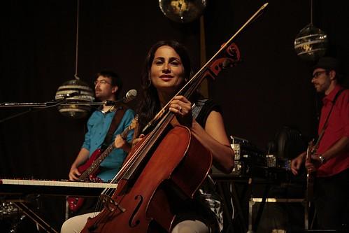 @elena diana 🎻 #violoncellista #perturbazione #folk #rock 🎶 #indie #popolare #musicaoriginale 🎥#elettritv💻📲  #musica #violoncello #concerti 🙌 #sottosuolo #webtv #music #live #underground 🌹 #webt