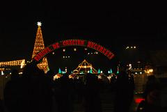 Christmas mood (cris.cristiana43) Tags: christmas christmasmood christmastree bucharest bucuresti bucharestvibes beautiful black romania red redagainred night lightsnight lights lightchristmas