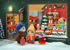 Sylvanian Families - Toy store (Sylvanako) Tags: toy toys store shop christmas sylvanian families sylvanianfamilies holidays toyphotography window snow winter calico critters miniatures xmas diorama diy cute