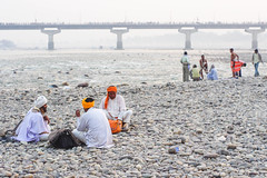 (kuuan) Tags: haridwar india kumbhmela riverbank bathing bridge ganga river ganges mahakumbhmela mahakumbhmelaharidwar2010