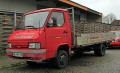 Trade Truck (Schwanzus_Longus) Tags: bremen hohentorshafen german germany japan japanese modern truck lorry vehicle platform flatbed nissan trade