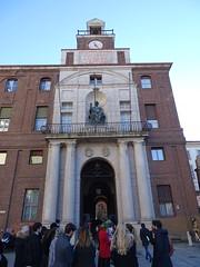 Milano (49) (pensivelaw1) Tags: italy milan statues trump starbucks romanruins thefinger trams cakes architecture