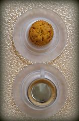 2019 Sydney: Coffee + CupCake (dominotic) Tags: 2019 coffee drink orangepoppyseedcupcake glass espresso coffeeobsession yᑌᗰᗰy illyglasscoffeecup circle sydney australia