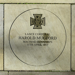 Paving Plaque: Harold Mugford VC (© Freddie) Tags: london bermondsey rotherhithe se16 lbsouthwark westlane millpondbridge warmemorial haroldmugfordvc plaque vc ww1 fjroll ©freddie