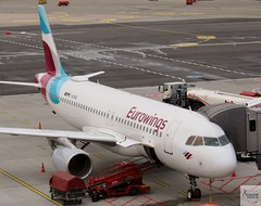 Eurowings A320-214 D-AEWS at HAM/EDDH (AviationEagle32) Tags: hamburg hamburgairport flughafenhamburg flughafen fuhlsbuttel fuhlsbuttelairport hamburgfuhlsbuttel ham eddh germany departure deutschland airport aircraft airplanes apron aviation aeroplanes avp aviationphotography avgeek aviationlovers aviationgeek aeroplane airplane airbus planespotting planes plane flying flickraviation flight vehicle tarmac eurowings lufthansagroup airbus320 a320 a320200 a322 a320214 daews