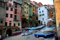 Boats in Riomaggiore (annalisabianchetti) Tags: riomaggiore cinqueterre liguria italy houses case village villaggio boats barche beautiful travel