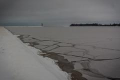 IMG_9012_edit (SPihtelev) Tags: ладога ленинградская область озеро зима лед льды вода маяк