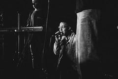 Abandon (de.pict) Tags: blackandwhite concert worship islavista canon 5dmkiii 24105mm singer epicmovement cru
