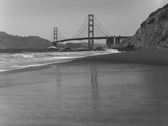 golden gate bridge on 4x5 film (Garrett Meyers) Tags: graflexseriesd4x5 garrett meyers garrettmeyers graflex graflex4x5 4x5film largeformat landscape lf homedeveloped handheld sanfrancisco fence blackandwhitefilm goldengatebridge street west coast bay waves ocean sf beach bridge
