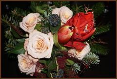 Ein kleiner Blumengruß ... (Kindergartenkinder 2018) Tags: blumen amaryllis rosen kindergartenkinder