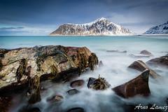 skagsanden beach, lofoten islands (arnolamez) Tags: longexposure lofoten poselongue mountain montagne seascape sea mer nisifilter landscape paysage
