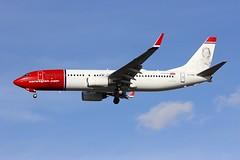B737 EI-FHE London Gatwick 08.11.18 (jonf45 - 4 million views -Thank you) Tags: london gatwick airport lgw egkk airliner civil aircraft jet plane flight aviation b737 737 norwegian air international boeing 7378q8w eifhe