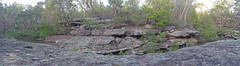 Dogtrap Creek_7 (Tony Markham) Tags: dogtrapcreek tributary bargoriver tahmoorgorge tahmoorcanyon cliffs sandstone cave overhang mermaidspool