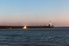 Bateau étoilé (Mirarmor) Tags: mer bateaux bretagne france soleil etoile plage phare eau ciel lumière