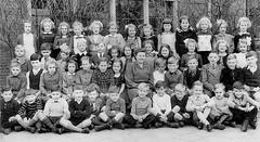1945 Benoordenhout (theirhistory) Tags: boy children kids girls school class form group pupils