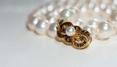 Pearl Clasp......... (Maredx) Tags: sony a6000 pearls lookingcloseonfridays white clasp jewelry bokeh