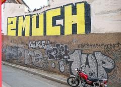 - (txmx 2) Tags: bolivia bolivien lapaz graffiti 2much 1up
