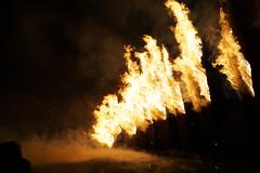 Christmas On Fire, 24. Dezember 2018 (Morgentor / Morning Gate) Tags: christmas on fire fackelbrand traditioneller weihnachtsfackeln weihnachtlich weihnachten 24 dezember 2018 bad liebenstein schweina thüringen wartburgkreis thuringia wartburg county antonius mountain heiligabend eve historisch brauch brauchtum spektakel flames lodern riesengros bindegemeinschaft heilige nacht holy night sonnenwendfeier antioniusberg flammen himmel