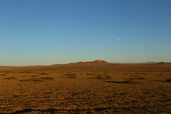 Mongolia (iorus and bela) Tags: bela iorus mongolia vakantie holiday 2018 transmongolieexpress transmongoliaexpress elsentasarkhai moon landscape