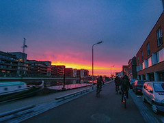 rush of mornings (Lisa RT.) Tags: delft sunrise morning bicycle cycle road street city canal university student lg g6 smartphone mood art message feeling photography