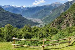 Balcone con vista (cesco.pb) Tags: valchiavenna valtellina savogno lombardia lombardy italia italy alps alpi canon canoneos60d tamronsp1750mmf28xrdiiivcld montagna montains