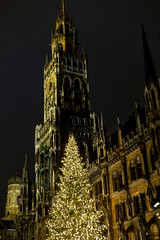 Munich (1) (momentspause) Tags: christmas munich germany travel canon5dmkiii canonef50mmf18 niftyfifty availablelight ambientlight marienplatz