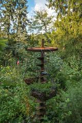 Waldmühle-Russheim (KaAuenwasser) Tags: waldmühle russheim kräutergarten kräuter garten beet anlage metall schrott eisen alt kunst pflanzen natur erbaut bäume sträucher büsche mühlengarten