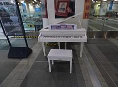 Yamaha piano at Birmingham New Street Station (ell brown) Tags: newstreetstation birminghamnewstreet birminghamnewstreetstation birmingham westmidlands england unitedkingdom greatbritain concourse newconcourse yamaha piano faceofsuffrage
