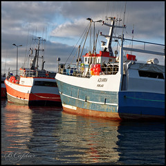 Echu eo an deiz e Rosko (QUILLIDIEC) Tags: mer bateau roscoff bretagne breizh brittany reflet relection seascape waterscape eau ship finistere