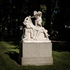 Cupid and Psyche (Shumilinus) Tags: 2018 35mmf18 landscape nikond300s saintpetersburgrussia summer statue monument sculpture summergarden park city