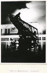 Renkum Buunderkamp met brandweer kraan Foto 15 03 1966 Collectie Kees Klaver (Historisch Genootschap Redichem) Tags: renkum buunderkamp met brandweer kraan foto 15 03 1966 collectie kees klaver