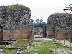 Yacimiento. Entrada (Conimbriga, Portugal) (Juan Alcor) Tags: yacimiento entrada conimbriga portugal estrada ruinas romanas romano