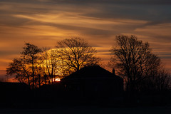 Home (ulbespaans) Tags: cloudscape sunrise zonsopkomst sky clouds mood outdoor silhouette