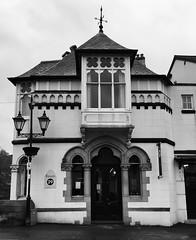 Ystafell 29, Royal Hotel, Llangollen (Rhisiart Hincks) Tags: gothicrevival nevezc'hotek athbheochanghotach adfywiadgothig victorian fictoraidd pensaernïaeth arkitektura architecture adeiladouriezh tisavouriezh ailtireachd ailtireacht pennserneth duagwyn gwennhadu dubhagusgeal blackandwhite bw zuribeltz blancetnoir blackwhite sirddinbych denbighshire ue eu ewrop europe eòrpa europa aneoraip a'chuimrigh kembra wales cymru kembre gales galles anbhreatainbheag 威爾斯 威尔士 wallis uels kimrio valbretland 웨일즈 llangollen leti gwesty hotel ostán