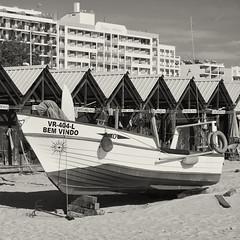 Monte Gordo (Santhero) Tags: europe portugal algarve guadiana vilarealdesantoantonio bw blackandwhite montegordo casetadepescador barca playa atlántico
