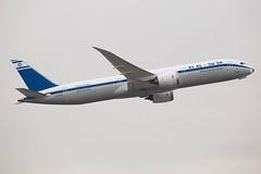 EL AL Israel Airlines   Boeing   787-9   4X-EDF (TFG Lau) Tags: vhhh hkia hkg hongkong hongkonginternationalairport airplane aeroplane aircraft aviation plane planespotting spotting canon canoneos eos eos5dmarkiii ahkgap elal elalisraelairlines ely ly boeing boeing787 b787 b789 787 7879 4xedf retro dreamliner