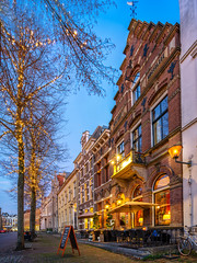 Huis Vermeer is a beautiful establishment. Not only it a great hotel with beautiful and spacious rooms, it also is a beautiful restaurant and available for group events, business meetings and Lunch. (Bart Ros) Tags: vermeer restaurant hotel deventer tree building old lights street sign
