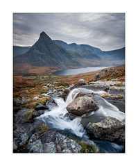 Afon Lloer (Dave Fieldhouse Photography) Tags: afonlloer waterfall tryfan mountain glyders wales snowdonia northwales ogwenvalley llynogwen morning cloudy water rocks autumn valley landscape wideangle penyrolewen capelcurig fuji fujifilm fujixt2 wwwdavefieldhousephotographycom