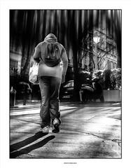 Serre les poings ... (michel di Méglio) Tags: street rue marseille monochrom olympus contrejour lumière light 45mm noiretblanc bw