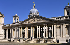 King William Court, Old Royal Naval College, Greenwich, London SE10. (edk7) Tags: nikond300 edk7 2013 uk england london royalboroughofgreenwich oldroyalnavalcollege royalhospitalforseamenatgreenwich christopherwren16961712 kingwilliamcourt architecture building oldstructure neoclassical gradeilisted museum sculpture nelsonpediment coadestone ceramic benjaminwest 1812 unescoworldheritagesite column colonnade capital stonecarving stonework tower bell balustrade step staircase pavement window sky arch niche lantern gold orb pennant clock