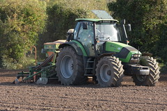 Deutz Fahr Agrotron 150.7 Tractor with an Amazone ADP 303 Special Seed Drill (Shane Casey CK25) Tags: deutz fahr agrotron 1507 tractor amazone adp 303 special seed drill one pass onepass deutzfahr samedeutzfahr sdf df green ballyhooly winter barley traktor traktori tracteur trekker trator ciągnik sow sowing set setting drilling tillage till tilling plant planting crop crops cereal cereals county cork ireland irish farm farmer farming agri agriculture contractor field ground soil dirt earth dust work working horse power horsepower hp pull pulling machine machinery grow growing nikon d7200
