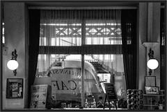 "Cafe Taurus ("" Wiener Schule "") Tags: öbb oebb obb stpölten eisenbahn railway railroad 1116 taurus bahnhof station"