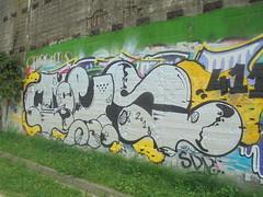 092 (en-ri) Tags: teso 2018 gocce 411 nero argento giallo arrow aprco dora torino wall muro graffiti writing
