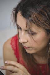 Laure (www.michelconrad.fr) Tags: bleu vert rouge canon eos6d eos 6d ef24105mmf4lisusm 24105mm 24105 femme modele portrait studio noir pose lit cousins home maison chezsoi jambes lingerie lingerierouge jeans shorty chapeau lampe