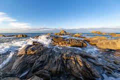 Rochers, mer, soleil. Plouguerneau, janv 2019 (Bernard Pichon) Tags: finistère france fr plouguerneau bpi760 fr29 bretagne mer cote rocher vague bzh breizh hdr iroise