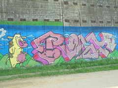 097 (en-ri) Tags: riky giallo marrone rosa arrow parco dora torino wall muro graffiti writing mucca