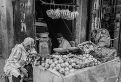 Bio and Zero Kilometer (Jethro_aqualung) Tags: nikon d800e 35mm maroc bw monocrome jethroaliastullph bn people marrakech